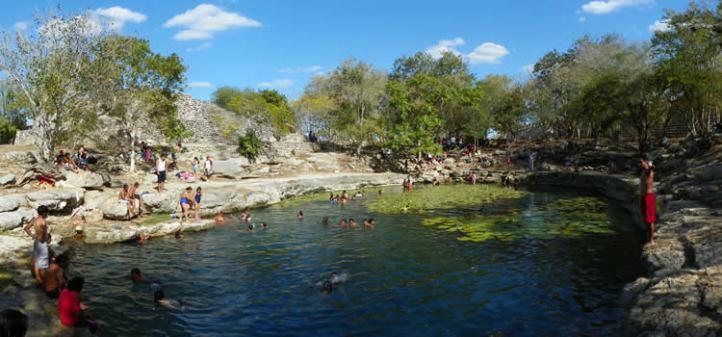 cenote-xlacah.jpg
