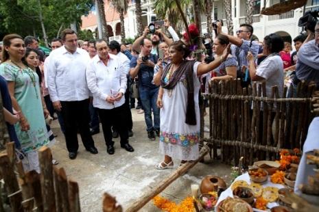 inauguracion muestra de altares