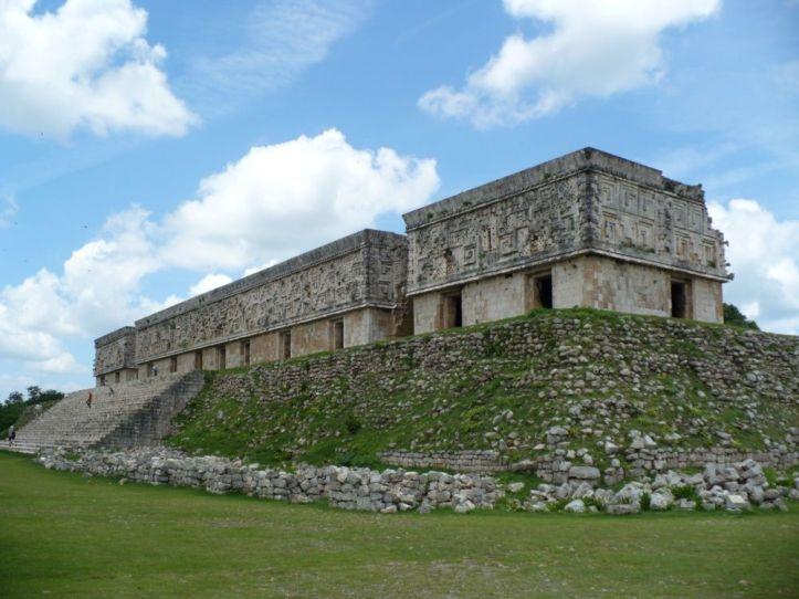 uxmal_palacio_del_gobernador.jpg_1944818438.jpg